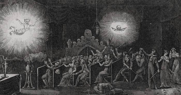 Un poco de historia: Fantasmagorías